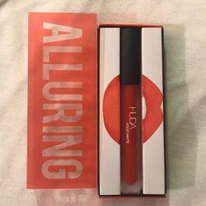 Huda Beauty Liquid Matte Lipstick- Alluring